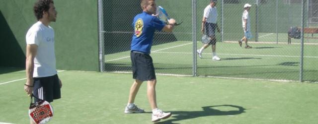 ¿Quienes somos? Somos un equipo de profesores de padel y de tenis con amplia experiencia en diferentes clubs, tanto en clasesparticulares como en grupos, para niños y adultos. Nos adaptamos...